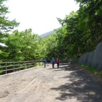 The trail from the 5th station to the 6th station is mostly very gradual with lots of trees and shade.