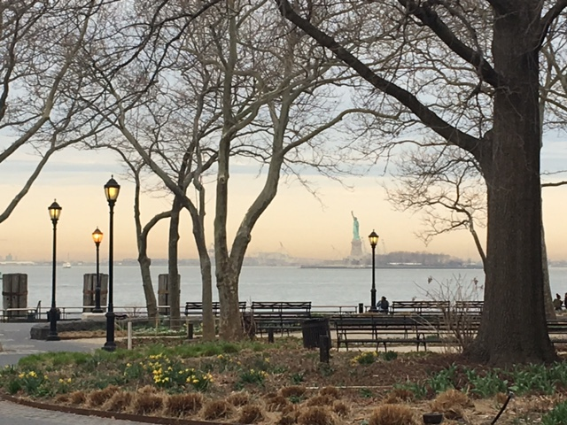 how to get to statue of liberty from battery park